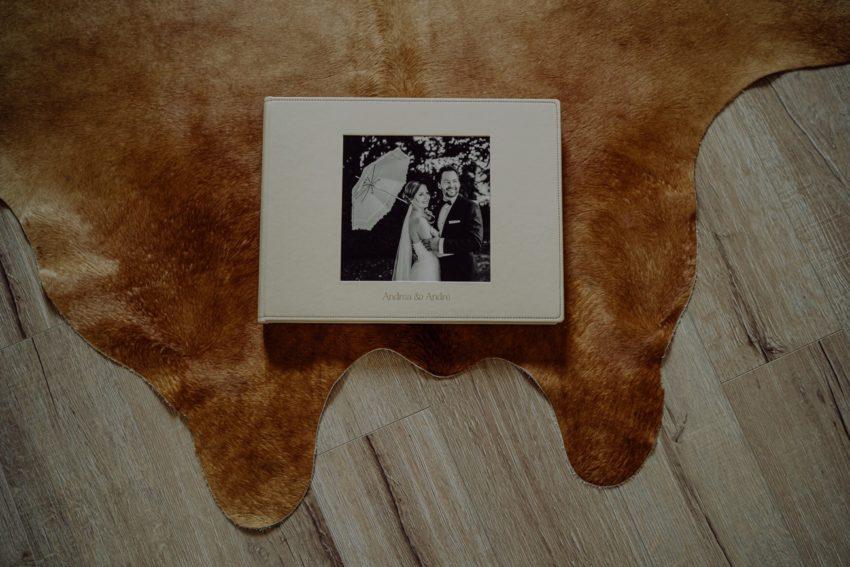 Hochwertige Fotobücher, Einzigartige Hochzeitsfotobücher, Individuell gestaltete Fotobücher, Individuelle Hochzeitsbücher, verschiedene Cover und Ledersorten zur Auswahl, Foto Kleer