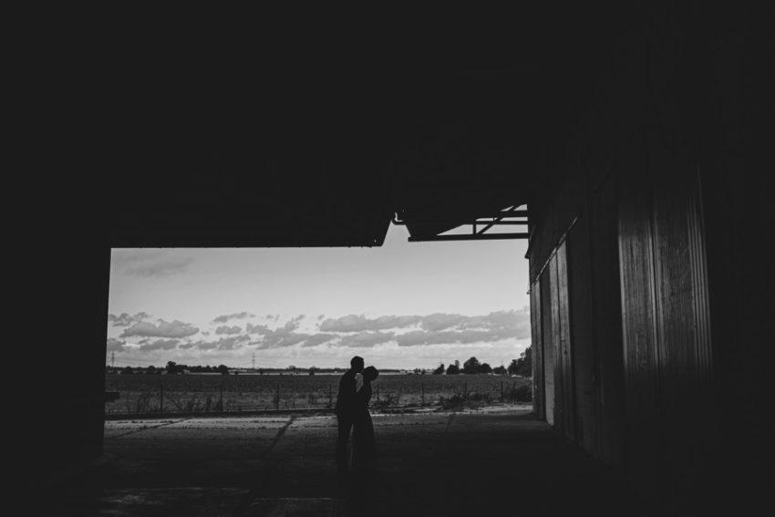 Euer Hochzeitsfotograf aus Heinsberg, Lagerhalle Heinsberg, Paarshooting Outdoor, Hochzeitsfotografie Heinsberg, Foto Kleer aus Übach-Palenberg, Hochzeitsfotos Heinsberg Brautpaarshooting Kreis Heinsberg